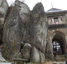w XIX wieku zostaje wieża,brama i fragmenty murów