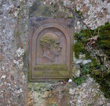 tablica pamiatkowa inicjatora budowy kaplicy w Ojcowie