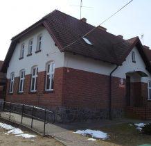 Wierzchy-zabytkowy budynek szkoły