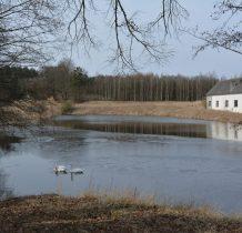 Zgorzały Most-jeziorko na rzece