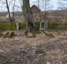 Zgorzały Most-cmentarz-w tle młyn