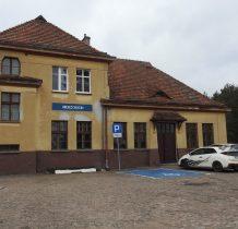 Wierzchucin-zabytkowy budynek dworca kolejowego