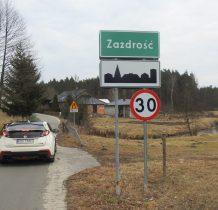 Zazdrość-przy wjeździe do wioski mostek nad Prusina