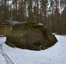 Gródek-kamień szeroki na prawie 9m