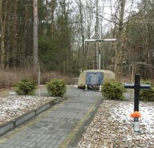 Drzycim-pomnik ofiar niemieckiego bombardowania okolic Gródka