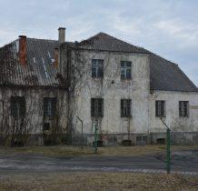 Sliwice-budynek przy opuszczonym kościele