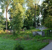 Rybotycze-prawie na końcu wioski cmentarz z poczatku XX wieku