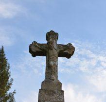 Bystre-kamienny krzyż