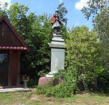 Sierakośce-kapliczka z XIX wieku,figura Nepomucena