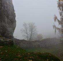 wracamy w okolice zamku-mgła coraz większa