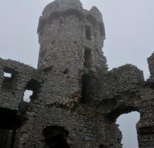 następni właściciele doprowadzaja zamek do całkowitej ruiny