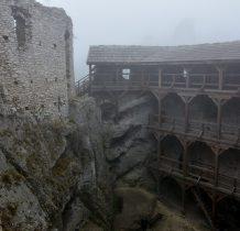 w 1810 roku ostatni mieszkańcy opuścili zamek