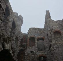 fragmenty murów