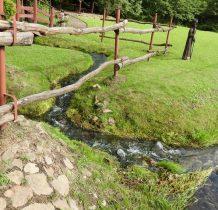 Regulice-wypływajaca woda zasila Regulke