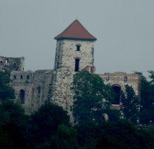 syn Nawoja-twórcy drewnianego zamku-Andrzej przyjał nazwisko Tęczyński