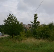 syn Andrzeja -Jaśko- rozbudował zamek,powstała wtedy kaplica