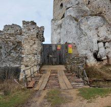 obecnie trwa  zabezpieczanie ruin i odbudowa