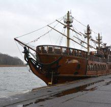 Dziwnów-kolejny piracki statek