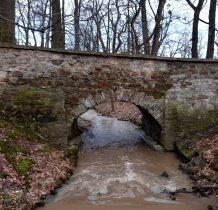 Grodziec-zabytkowy mostek