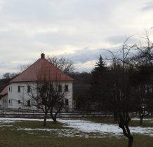 Grodziec-zabudowa w okolicy kościoła