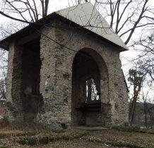 Grodziec-kościół popada w ruinę po 1910 roku