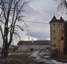 Grodziec-zamek i budynki gospodarcze