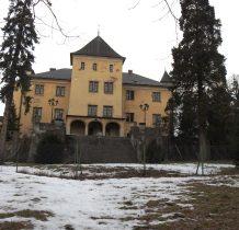 Grodziec-zamek-widok od strony parku