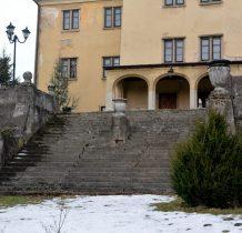 Grodziec-wejście od strony parku