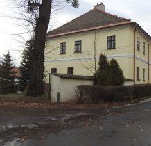 Grodziec-główny budynek Instytutu Doświadczalnego Zootechniki