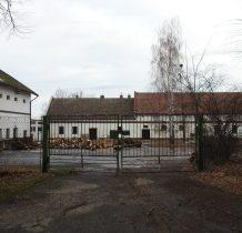 Grodziec-budynki gospodarcze instytutu