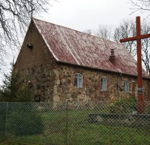 Górki-kościół zbudowany z kamienia polnego