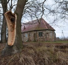 Górki-pokrycie dachu nie dodaje uroku kościółkowi