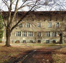 Górki Wielkie- w 1937 roku otwarto tutaj Harcerski Uniwersytet Ludowy