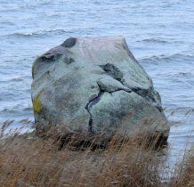 Wyspa Chrzaszczewska-kamień o obwodzie 20 metrów
