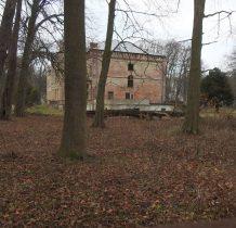 Dreżewo-pałac otoczony parkiem