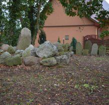 Dobropole-teren cmentarza zadbany