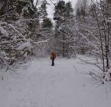 wiemy,że czeka nas do schroniska 9 kilometrów marszu w śniegu-pod górę