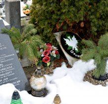 Chechło-na cmentarzu