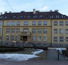 zabytkowy budynek Szkoły Podstawowej nr 1