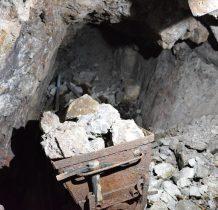 wielu górników zmarło,część choruje do dzisiaj na chorobę popromienna