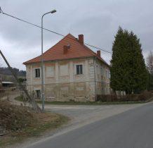 po wojnie w dworze był ośrodek wczasowy