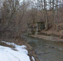 ruiny mostu raz jeszcze-z drugiej strony rzeki