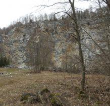 eksploatacja kamieniołomu doprowadziła do zniszczenia jaskini