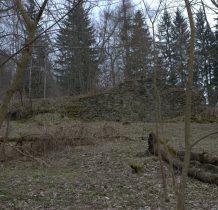 pozostałości kamienne po budynkach