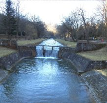 Park Zdrojowy i rzeka Tabor z licznymi mostkami