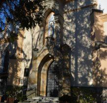 na poddaszu kościoła nietoperze