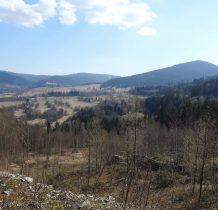 widoki na okolicę z góry kamieniołomu