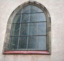 jedno z okien kościółka