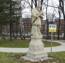 kamienna figura Jana Nepomucena