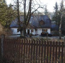 chata przy kościele